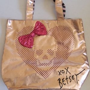 Betsey Johnson rose gold skull tote NWOTS
